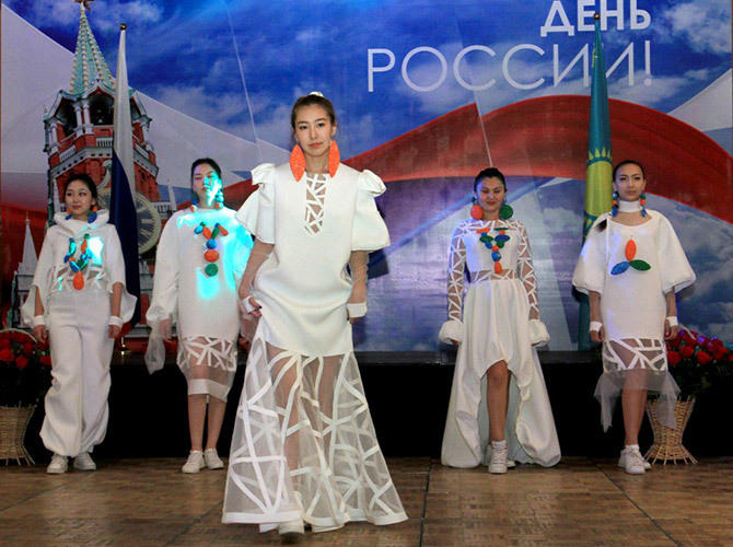 В Алматы состоялся прием, посвященный Дню России и 200-летию русского балета. Показ новой коллекции-фото Талгата Галимова