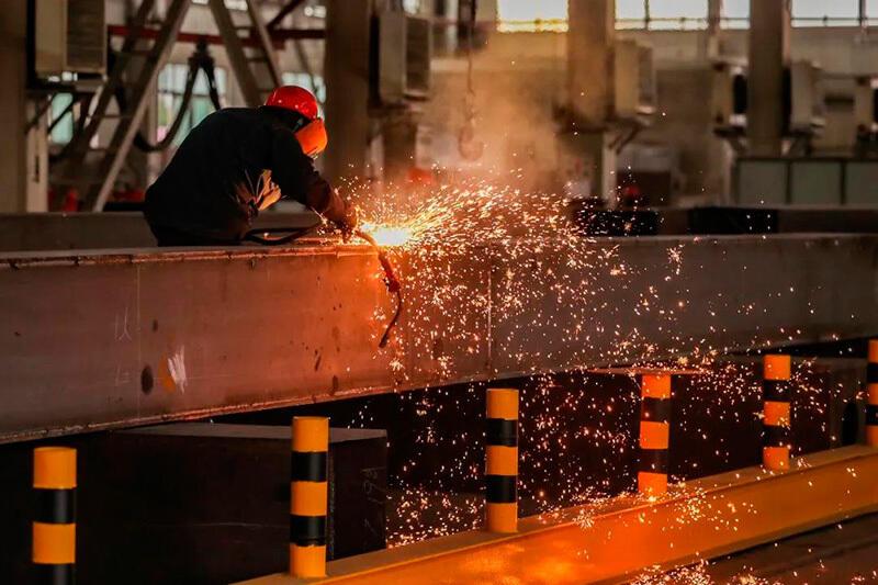 В Урумчи предприятия промышленного парка работают в прежнем режиме в условиях осуществления противоэпидемических мер