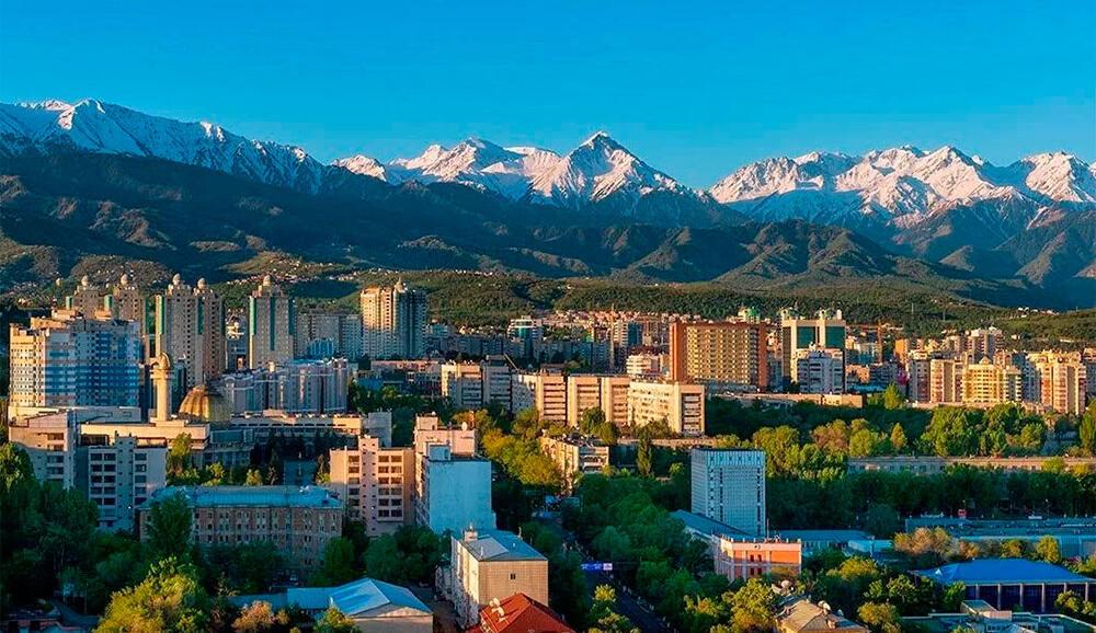 Сулейменов: Другого названия у города кроме как Алма-Ата быть не может