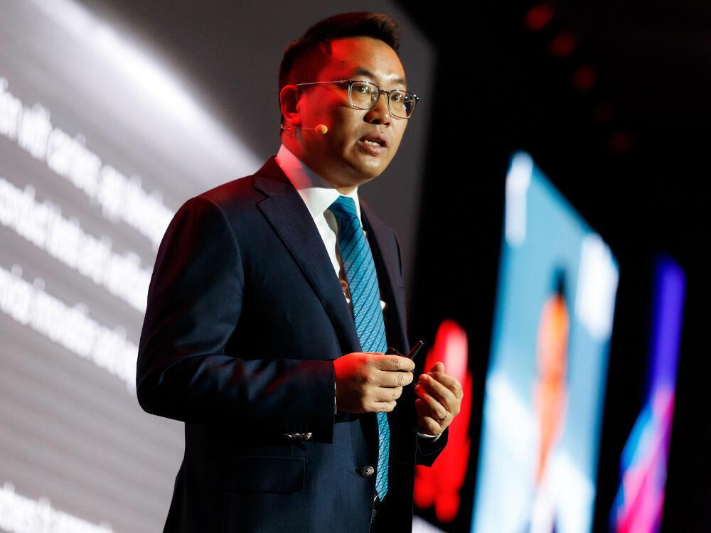 """Президент Huawei в регионе Евразия Дэниел Чжоу: создание ценности для ИКТ-отрасли в рамках концепции """"Сообщество единого цифрового будущего"""""""